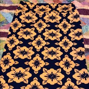 Medium Lularoe Cassie skirt